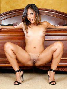 kaylani-ley-porno-aktrisa-brazilskoe-porno-anal-s-dvumya
